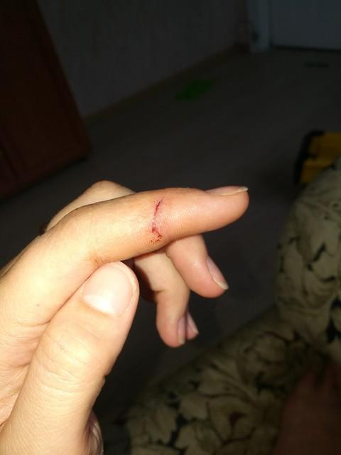 Как сделать порез на пальце 101