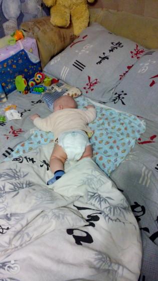 Маленькие дети плохо диффиренцируют сон и реальность.