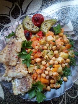 Нут с овощами