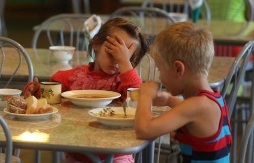 А воз и ныне там: как не решаются проблемы с питанием в школах