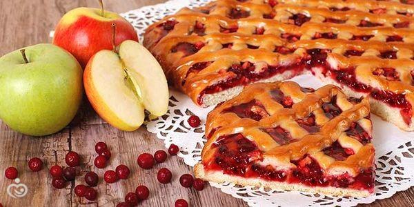 Заливной пирог с брусникой рецепт с фото