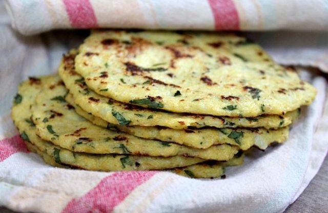 Рецепт 1: Сырные лепешки